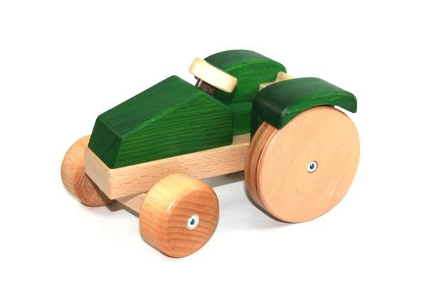 Traktor mit Lenkung